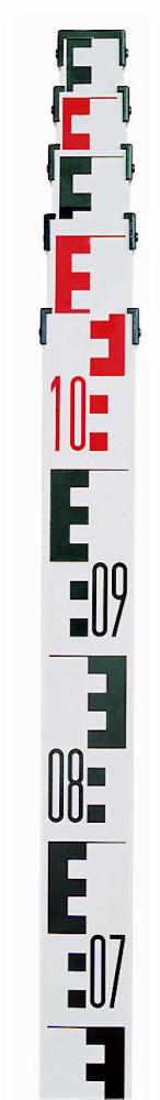 Mini nivelační lať TN 25-0 s maximální délkou 2,5 m a ve složeném stavu pouze 70 cm