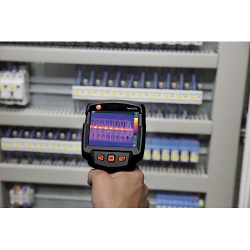 Termokamera Testo 871 kombinuje vysoké IR rozlišení s profesionálním výkonem, fotografie 3/4