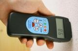 Digitální kontaktní vlhkoměr C036 s měřením pomocí indukce nebo hrotů, fotografie 3/4