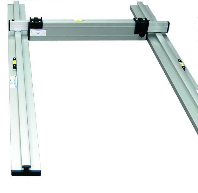 Nivelo BASIS set pro podlaháře sestávající z 1 nastavitelné latě a 2 stahovacích kolejnic