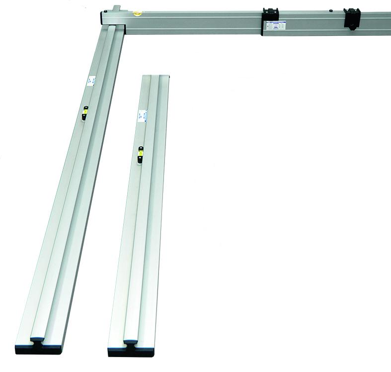 Nivelo PROFI set pro podlaháře sestávající z 1 nastavitelné latě a 4 stahovacích kolejnic