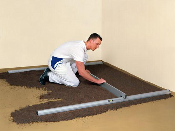 Nivelo PLUS set pro podlaháře sestávající z 2 nastavitelných latí, 5 stahovacích kolejnic a 3 spojek, fotografie 1/9