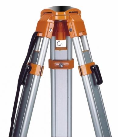 FS 23-D stavební stativ s kulovou hlavou s rychlosvěrami a rozsahem 105 - 170 cm