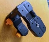 MH1 - multifunkční držák pro připevnění přístroje na zeď , stativ, zárubně apod., fotografie 31/17